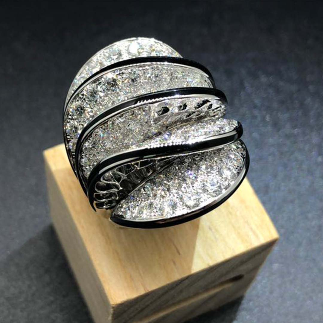 Cartier Paris Nouvelle Vague Glamour Ring with Five Waves in 18k White Gold, Black Lacquer and Diamonds