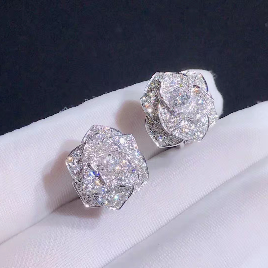 Piaget Rose Earrings in 18K White Gold with 172 Diamonds 2.36ct G38U0072