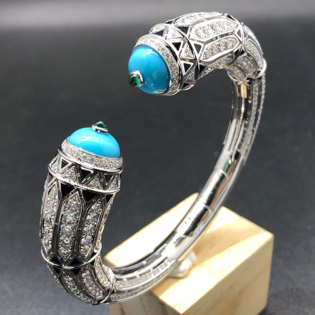 Cartier Art-Déco Inspired High Jewelry White Gold Turquoise and Diamonds Bracelet H6025517